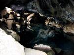 grottes_de_Grjotagja_-_1.jpg
